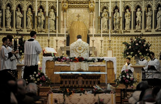 Holy Mass is offered in the presence of the relics of St Therese of Liseux (Photo: Marcin Mazur)